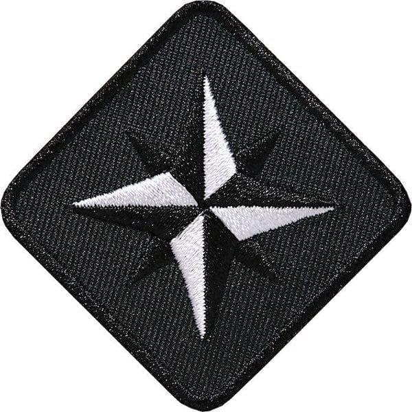 Kompass Outdoor Aufnäher von Club of Heroes. 46 mm Schwarz