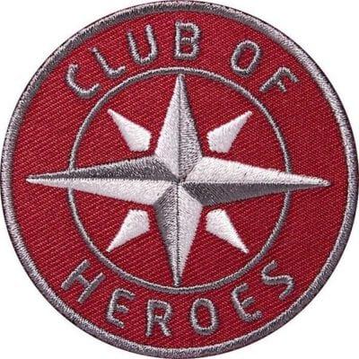 Kompass Outdoor Aufnäher von Club of Heroes. 62 mm Rot