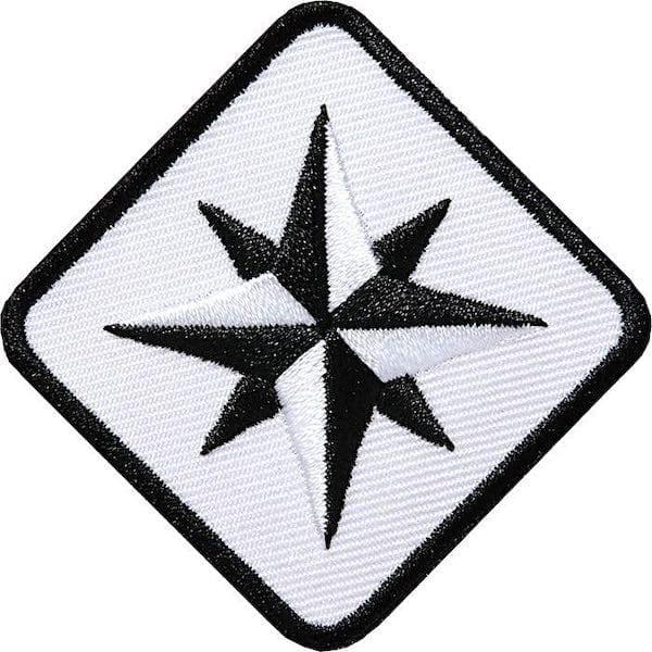 Kompass Outdoor Aufnäher von Club of Heroes. 46 mm Weiss
