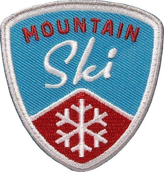 Mountain Ski Wintersport Aufnäher von Club of Heroes. Blau