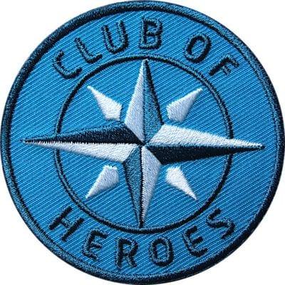 Blau COH Kompass Patch Bügelbild Aufnäher mit Kompass Olive. Aufnäher von Club of Heroes. Hochwertig gestickte Patches wie Aufbügler Bügelbilder Bügelflicken zur Veredelung von Textilien, zum Aufbügeln oder Aufnähen auf Jacken, Kleidung.